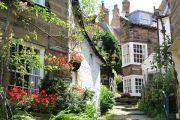 cottages-flowers