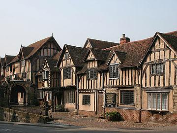 http://www.englandthisway.com/places/images/warwick-lord-leycester-hosp.jpg