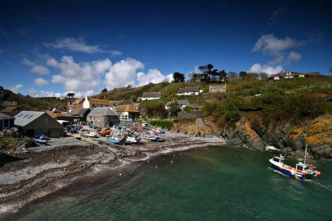 Photo of Cadgwith in Cornwall (Cornwall region)