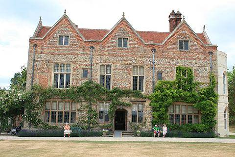 Photo of Greys Court in Chilterns (Oxfordshire region)